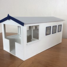 KS24-02-05: 1/12th scale Dolls Beach Hut with Veranda