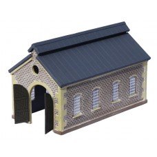 KIT05-03-01: N Scale Pitched Roof Engine Shed with top fan